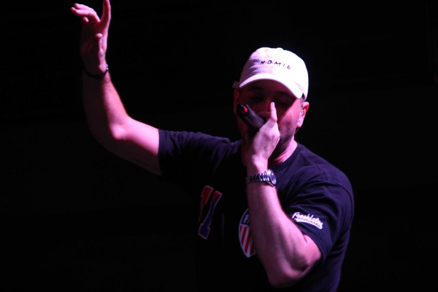 Mike Stud Gets Mixed Reviews from Small Crowd at Swimsuit Sprint