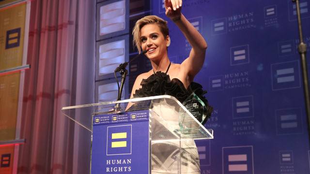 Katy Perry with Award