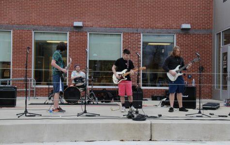 Freshmen Bands Perform in Class of 2020 Concert