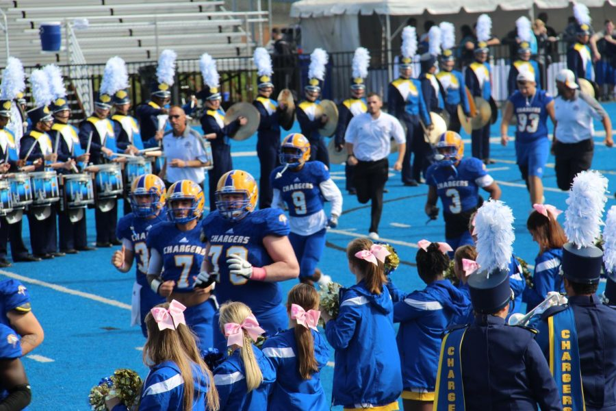 Football Celebrates Homecoming with Win