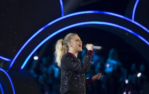 "Kelsea Ballerini's ""Unapologetically"" and Blake Shelton's ""Texoma Shore"" Shake Up Country"