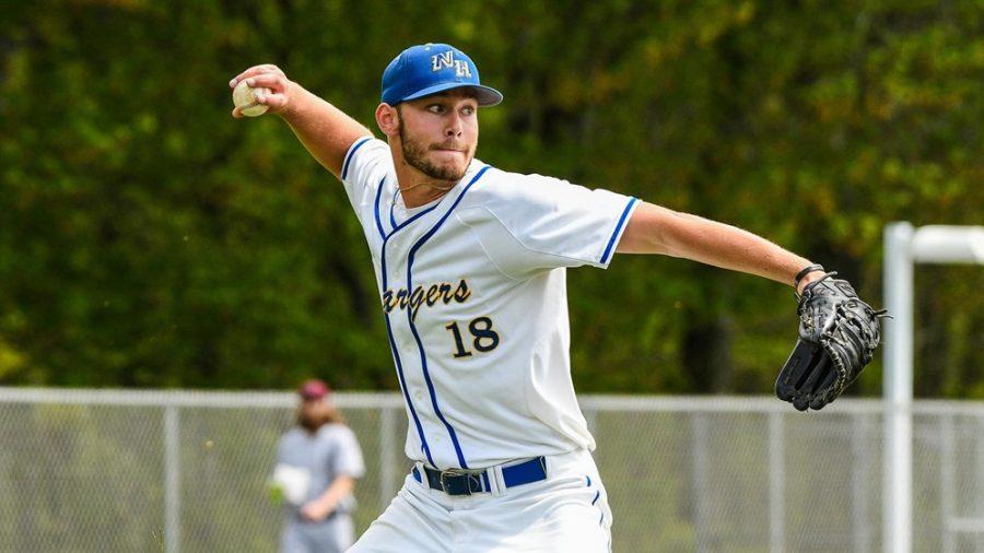Baseball Continues Hot Streak While Softball Splits Doubleheader