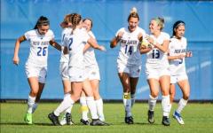 Women's soccer start season 2-0