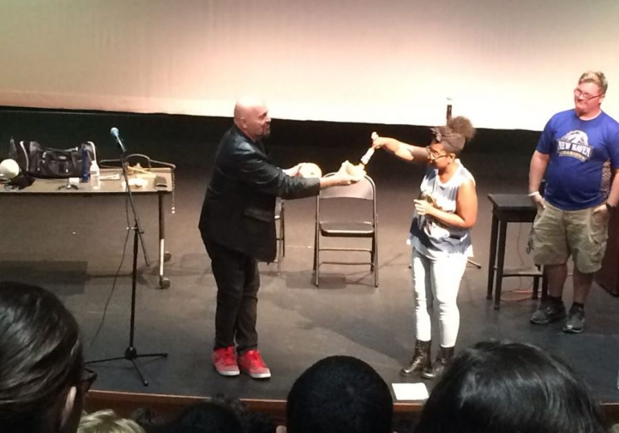 Psychic Madman Closes Out Welcome Week