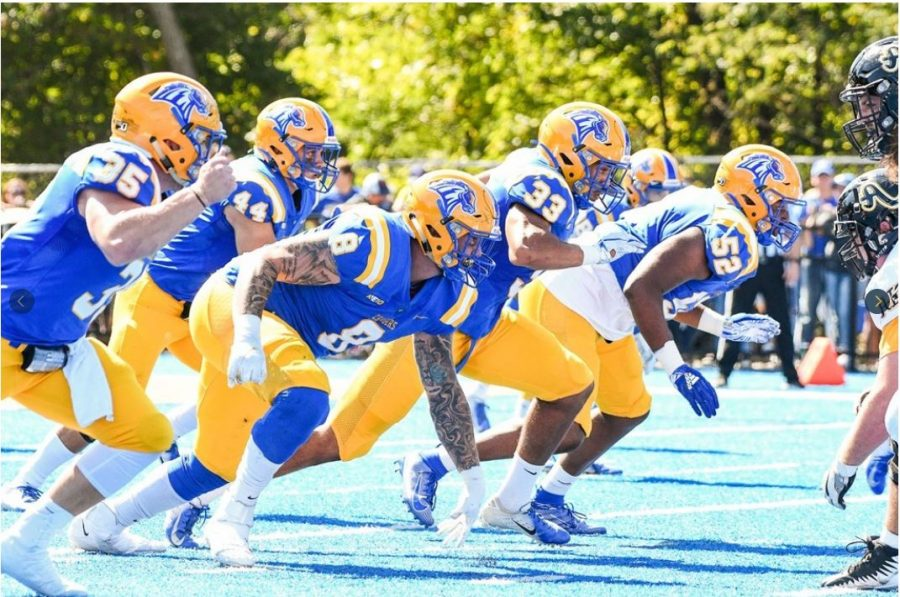 Football Takes Down AIC in Home Opener