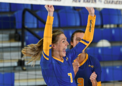 Volleyball Victorious Against Stonehill College