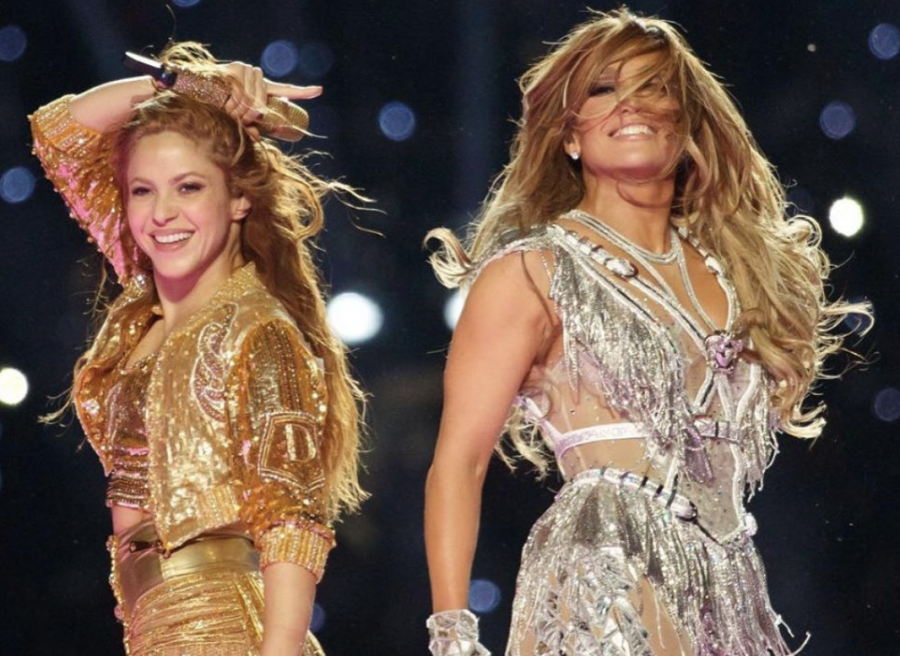 Shakira+and+Jennifer+Lopez+during+the+Super+Bowl+Halftime+Show.+